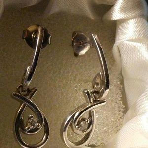 Jewelry - 925 Silver earrings.